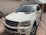 Mercedes-Benz ML 500 2008 года за 8 000 000 тг. в Алматы – фото 2