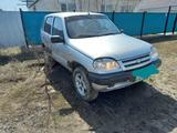 Chevrolet Niva 2006 года за 1 000 000 тг. в Уральск – фото 2