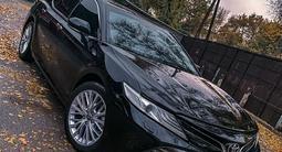 Toyota Camry 2018 года за 12 700 000 тг. в Алматы
