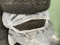 Зимние шины в отличном состоянии размер 265/65/17 за 140 000 тг. в Нур-Султан (Астана)