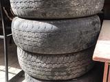 Шины на тойота хайлюкс за 10 000 тг. в Атырау