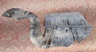 Корпус воздушного фильтра воздухан крышка двигателя w210 w 210 лупарь за 10 000 тг. в Алматы