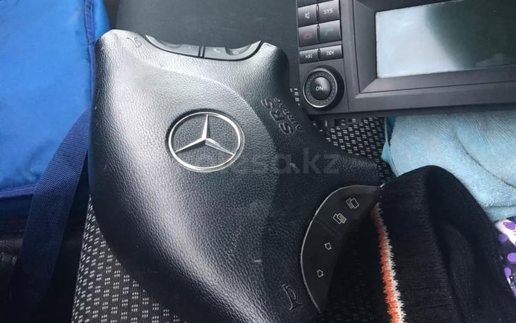Мерседес спринтер Руль за 60 000 тг. в Шымкент