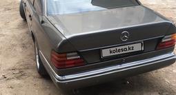 Mercedes-Benz E 230 1992 года за 1 350 000 тг. в Балхаш – фото 2