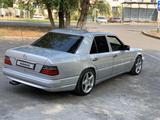 Mercedes-Benz E 300 1994 года за 1 950 000 тг. в Талдыкорган – фото 4