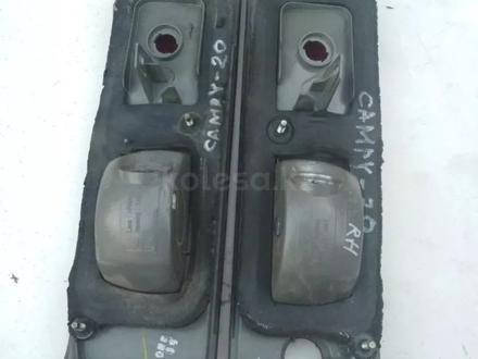 Фонарь (оптика) оригинал задний на багажник Toyota Camry 20 Американец за 8 000 тг. в Нур-Султан (Астана) – фото 4