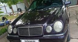 Mercedes-Benz E 200 1998 года за 2 600 000 тг. в Караганда – фото 2