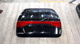 Крышка багажника (задняя дверь) за 40 000 тг. в Алматы