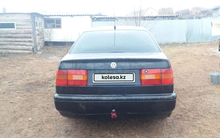 Volkswagen Passat 1995 года за 1 400 000 тг. в Уральск