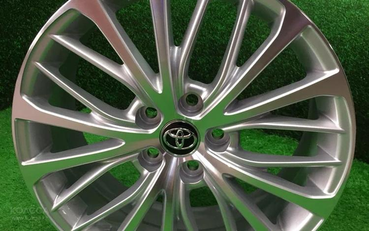 Новые фирменные диски Р18 Toyota Camry 70 за 220 000 тг. в Алматы