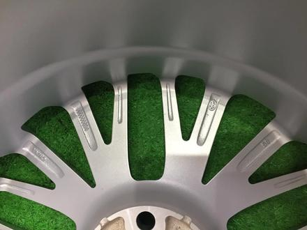 Новые фирменные диски Р18 Toyota Camry 70 за 220 000 тг. в Алматы – фото 2