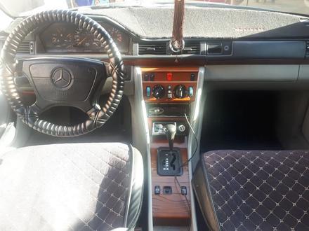 Mercedes-Benz E 200 1993 года за 1 700 000 тг. в Шымкент – фото 5