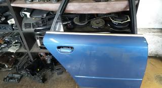 Дверь задняя правая Audi a4 (b6) авант за 20 000 тг. в Караганда