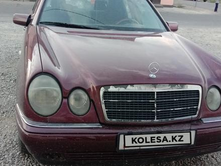 Mercedes-Benz E 320 1996 года за 1 600 000 тг. в Тараз