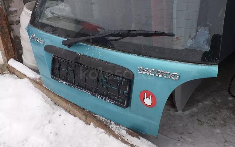 Крышка багажника дэу матиз за 444 тг. в Костанай