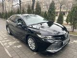 Toyota Camry 2018 года за 12 600 000 тг. в Алматы