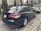 Toyota Camry 2018 года за 12 600 000 тг. в Алматы – фото 3