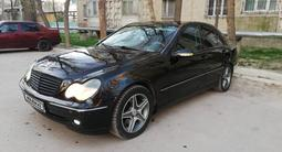 Mercedes-Benz C 320 2000 года за 2 600 000 тг. в Тараз – фото 3