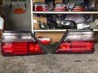 Фонари на Mercedes-Benz 124 (малина) дубликат за 20 000 тг. в Алматы