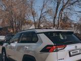 Toyota RAV 4 2019 года за 16 600 000 тг. в Алматы – фото 5