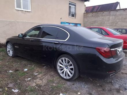 BMW 740 2009 года за 9 500 000 тг. в Караганда – фото 2