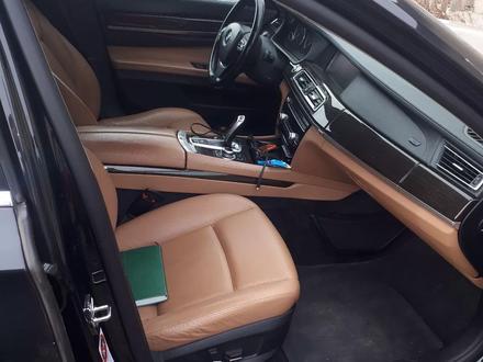 BMW 740 2009 года за 9 500 000 тг. в Караганда – фото 5