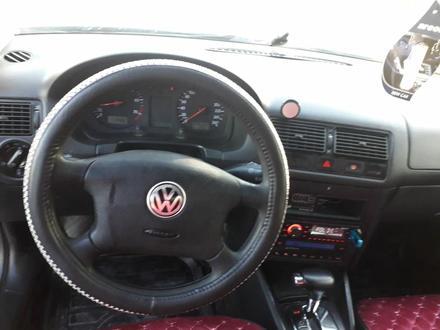 Volkswagen Golf 2003 года за 2 650 000 тг. в Нур-Султан (Астана) – фото 2