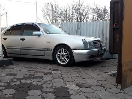 Mercedes-Benz E 230 1997 года за 2 300 000 тг. в Караганда – фото 5