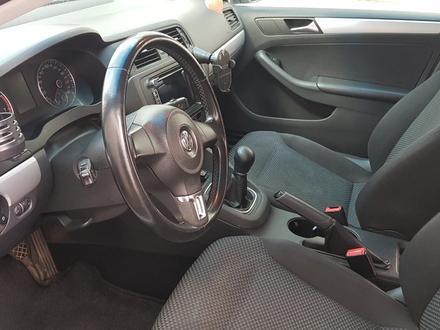 Volkswagen Jetta 2013 года за 4 200 000 тг. в Актобе – фото 10