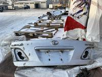 Крышка багажника es330 за 20 000 тг. в Алматы