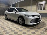 Toyota Camry 2018 года за 13 500 000 тг. в Туркестан – фото 2