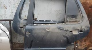 Двери передние и задние на ML за 1 111 тг. в Алматы