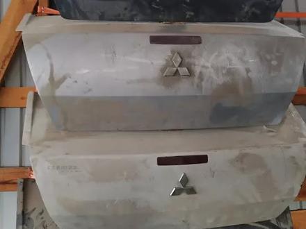 Крышка багажника за 45 000 тг. в Алматы – фото 3