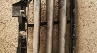 Решетка правая в бампер за 11 000 тг. в Алматы