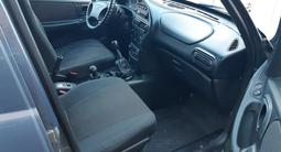 Chevrolet Niva 2008 года за 1 400 000 тг. в Актобе – фото 3