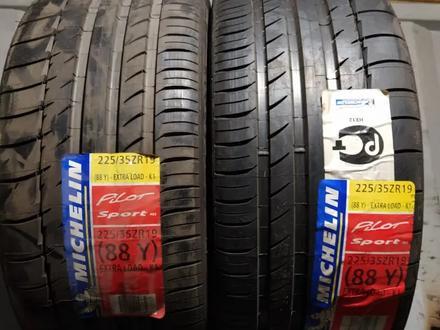 Шины Michelin 225/35r19 PS2 за 37 500 тг. в Алматы
