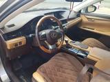 Lexus ES 200 2016 года за 13 500 000 тг. в Семей – фото 4