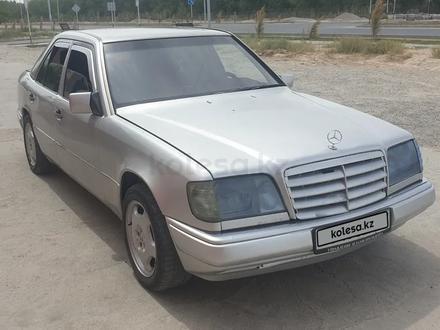 Mercedes-Benz E 220 1994 года за 1 900 000 тг. в Туркестан – фото 2