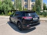 Toyota RAV 4 2016 года за 10 800 000 тг. в Алматы – фото 2