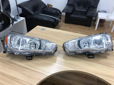 Фары оригинальные под ксенон ю для Mitsubishi Outlander 2010- за 80 000 тг. в Нур-Султан (Астана)