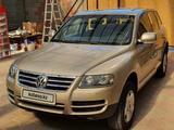 Volkswagen Touareg 2006 года за 5 000 000 тг. в Алматы