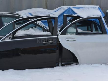 Дверь на мерседес W221 S350 за 3 000 тг. в Алматы