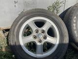 Диск с шиной от Хундаи 16 225 60 за 20 000 тг. в Алматы – фото 2