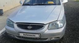 Hyundai Accent 2000 года за 800 000 тг. в Актобе – фото 2