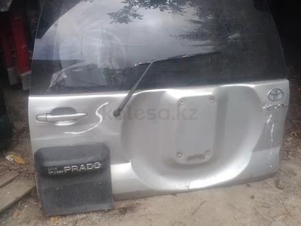Крышка багажника Toyota L C Prado за 777 тг. в Алматы – фото 2