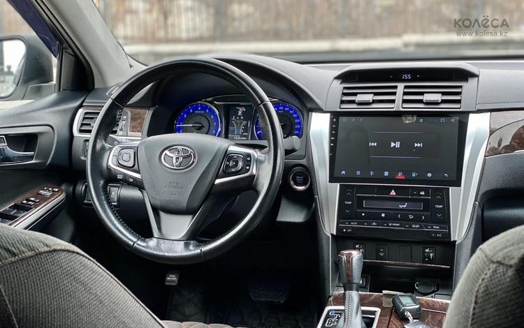 Toyota Camry 2017 года за 10 000 000 тг. в Шымкент