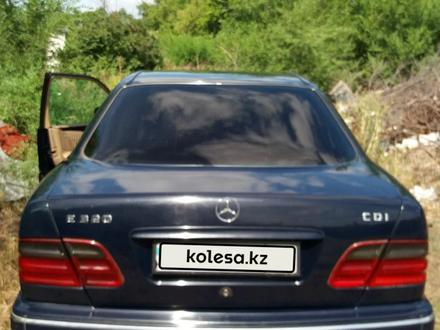 Mercedes-Benz E 320 2001 года за 2 600 000 тг. в Костанай – фото 2