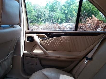 Mercedes-Benz E 320 2001 года за 2 600 000 тг. в Костанай – фото 7
