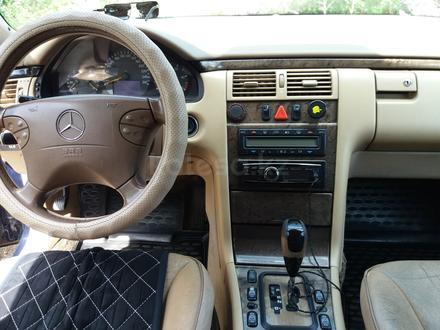Mercedes-Benz E 320 2001 года за 2 600 000 тг. в Костанай – фото 8