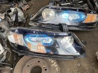 Передний фары Honda Odyssey (2003-2008) 50000т за обе за 50 000 тг. в Алматы